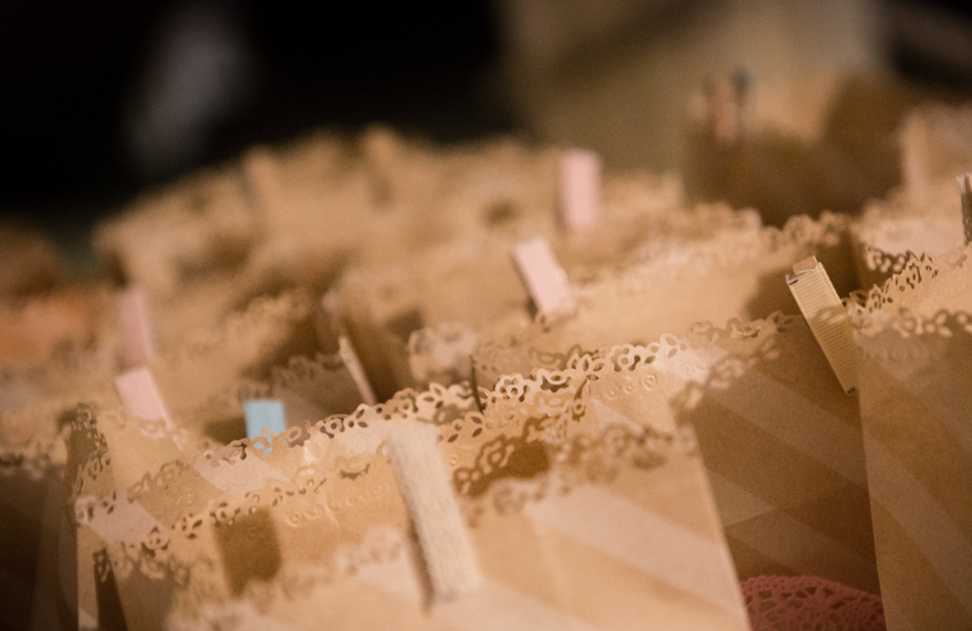 Conosciuto Tutorial sacchetti confetti fai da te con centrini e buste craft YH87