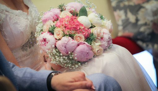 Bouquet sposa romantico con peonie e ortensie my wedding for Quanto costa un mazzo di rose