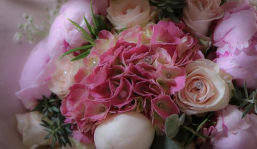 peonie, rose e ortensie i fiori per un matrimonio in giugno